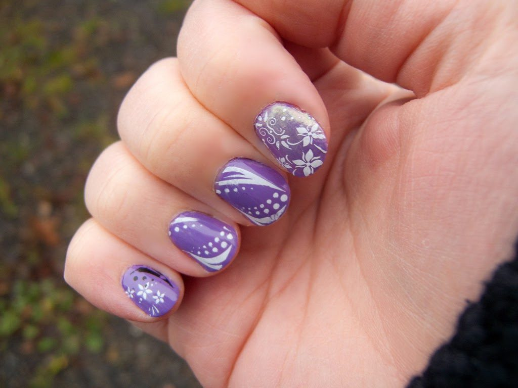 Simple Yet Beautiful Nail Art Designs to Try Now ...