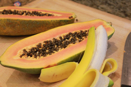 banana-and-papaya-to-treat-cracked-heels