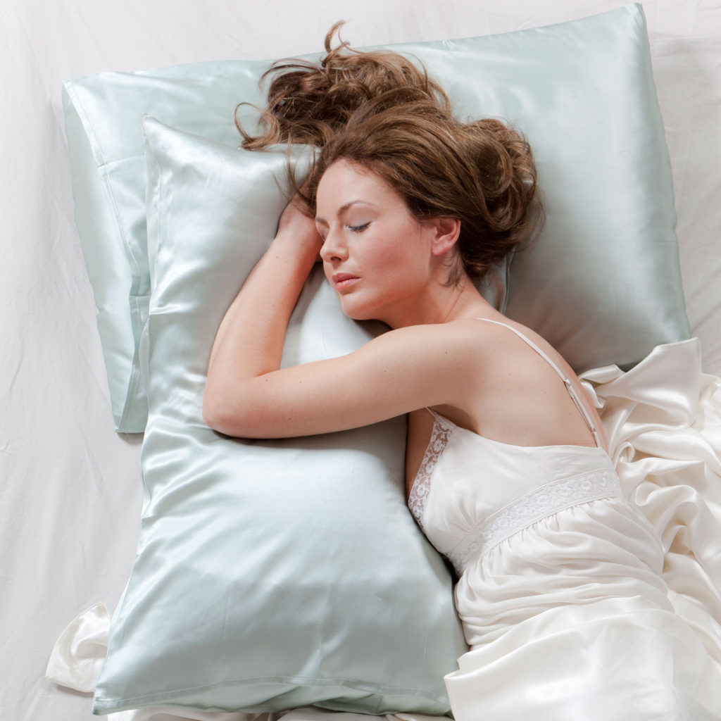 sleep-on-silk-pillowcase