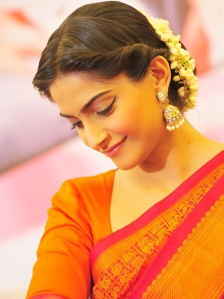 sonam-kapoor-bun-hairstyle-for-wedding