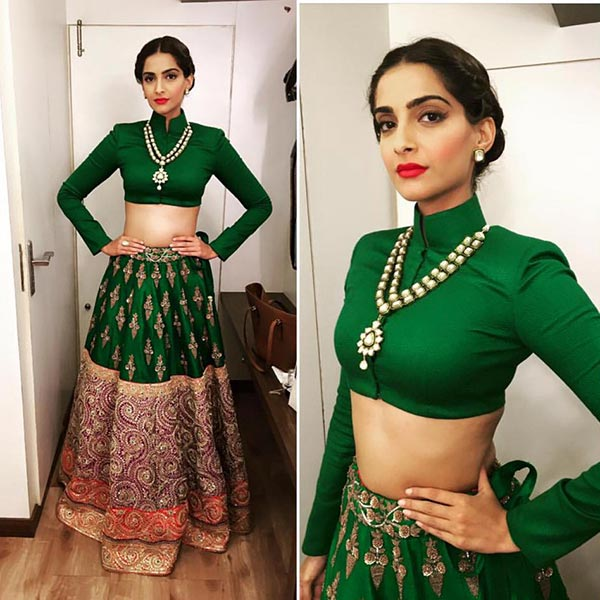 sonam-kapoor-mid-partition-hairstyle