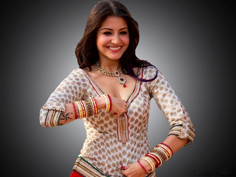 Anushka sharma desi picture